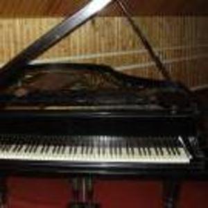 Продам антикварный рояль